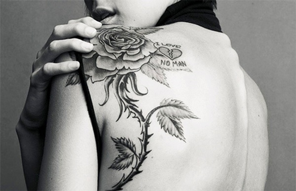 9a8d0236a386e 40 Black And White Floral Shoulder Tattoo Ideas
