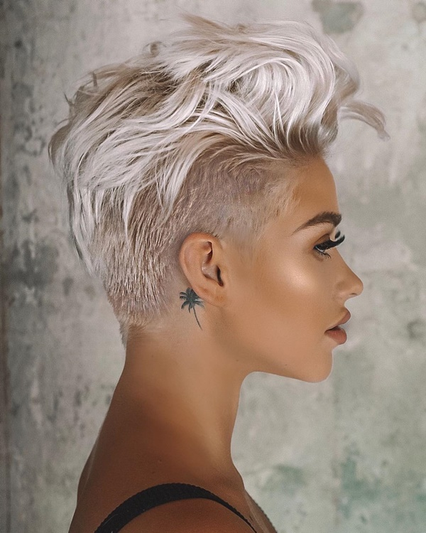 Easy Hairstyles for Women with Short Hair